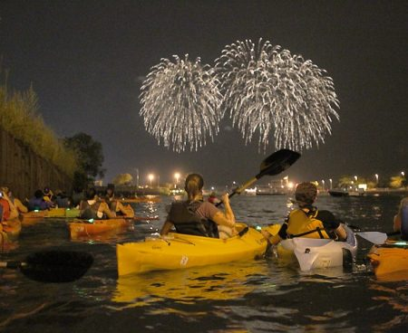 https://wateriders.com/wp-content/uploads/2016/04/fireworks01_900-3-450x368.jpg