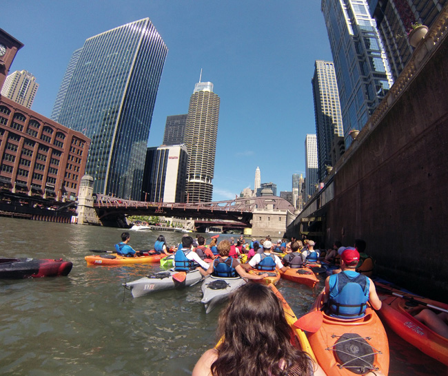 classic chicago history and architecture tour | wateriders